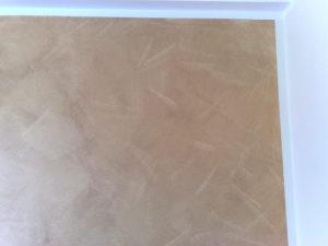 Dettaglio di decorazione Serika seppia dopo relativa imbiancatura